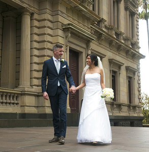 Image of a couple getting married at the Old Treasury Building